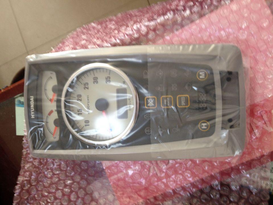 现代R60仪表盘